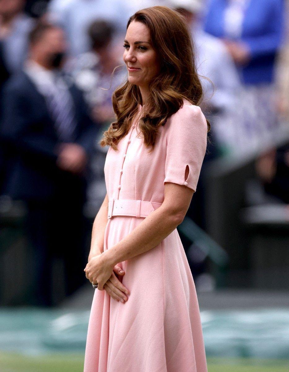 Dévastée, Kate Middleton ne supporte plus les disputes entre Harry et William - Elle