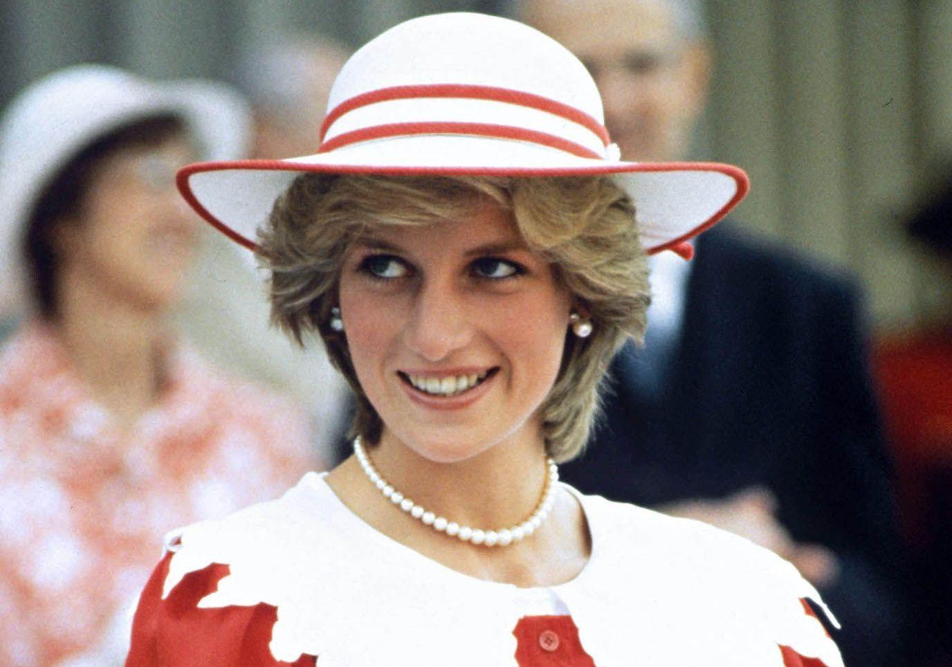 « J'espère qu'elle est heureuse » : les confidences de Charles Spencer sur sa sœur Lady Di - Elle