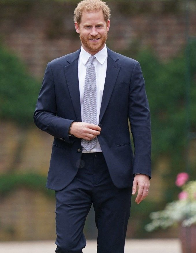 Le-prince-Harry-est-deja-de-retour-aux-Etats-Unis-aupres-de-Meghan-Markle.jpg