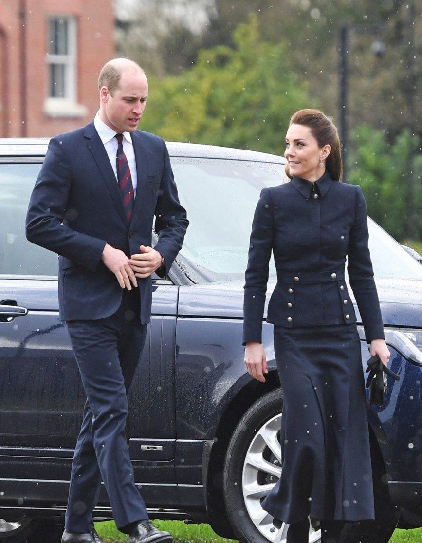 Le prince William dévoile un adorable souvenir de vacances avec Charlotte, George et Louis - Elle