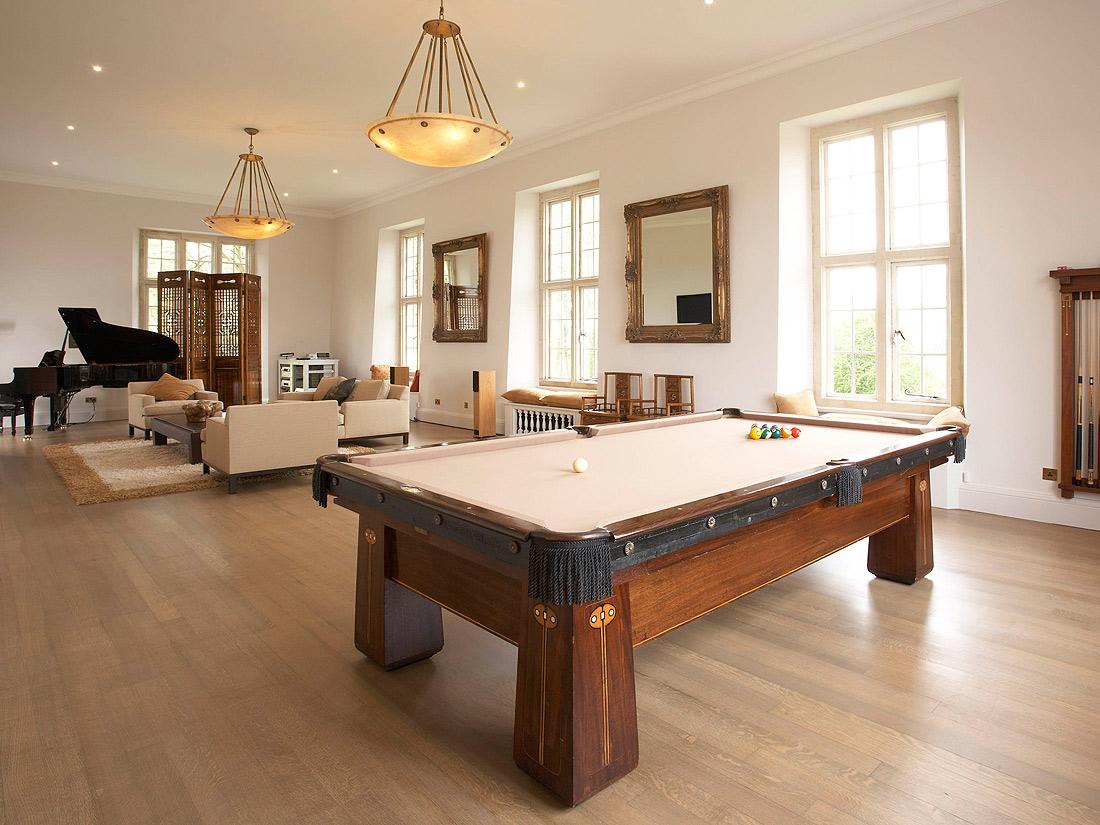 une maison pur e maisons de stars qui habite ici elle. Black Bedroom Furniture Sets. Home Design Ideas