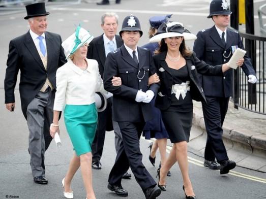 Mariage de Kate et William : toutes les photos People mariage princier kate middleton prince invite policier