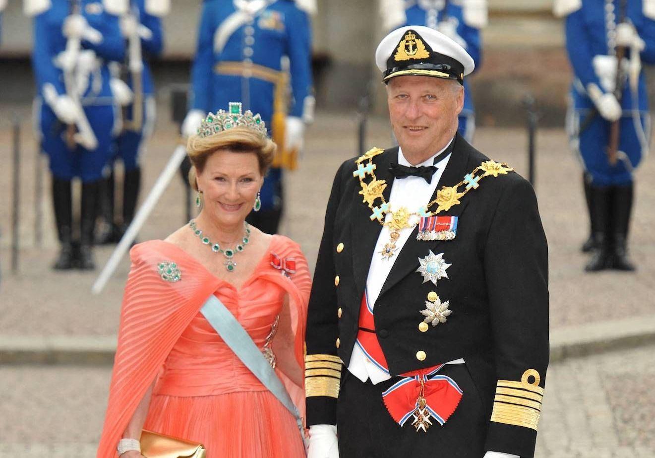 Mariage royal : Harald V de Norvège et Sonja Haraldsen, le prince et la roturière - Elle