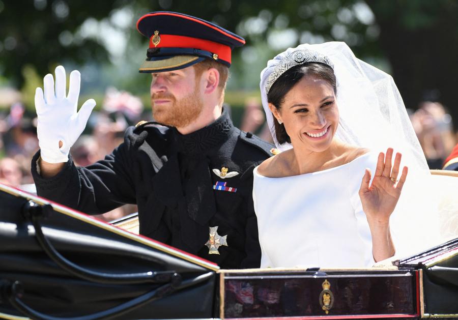 Mariage royal : Meghan et Harry, les rebelles adorés et détestés - Elle