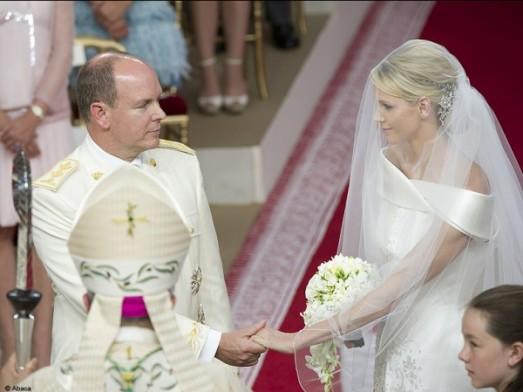 Monaco : le mariage de Charlene et du prince Albert en images People mariage albert charlene autel