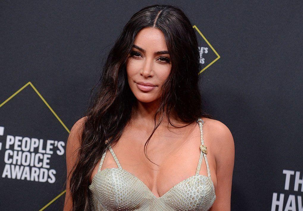 Oubliez Bridgerton, Kim Kardashian a une nouvelle série préférée ! - Elle