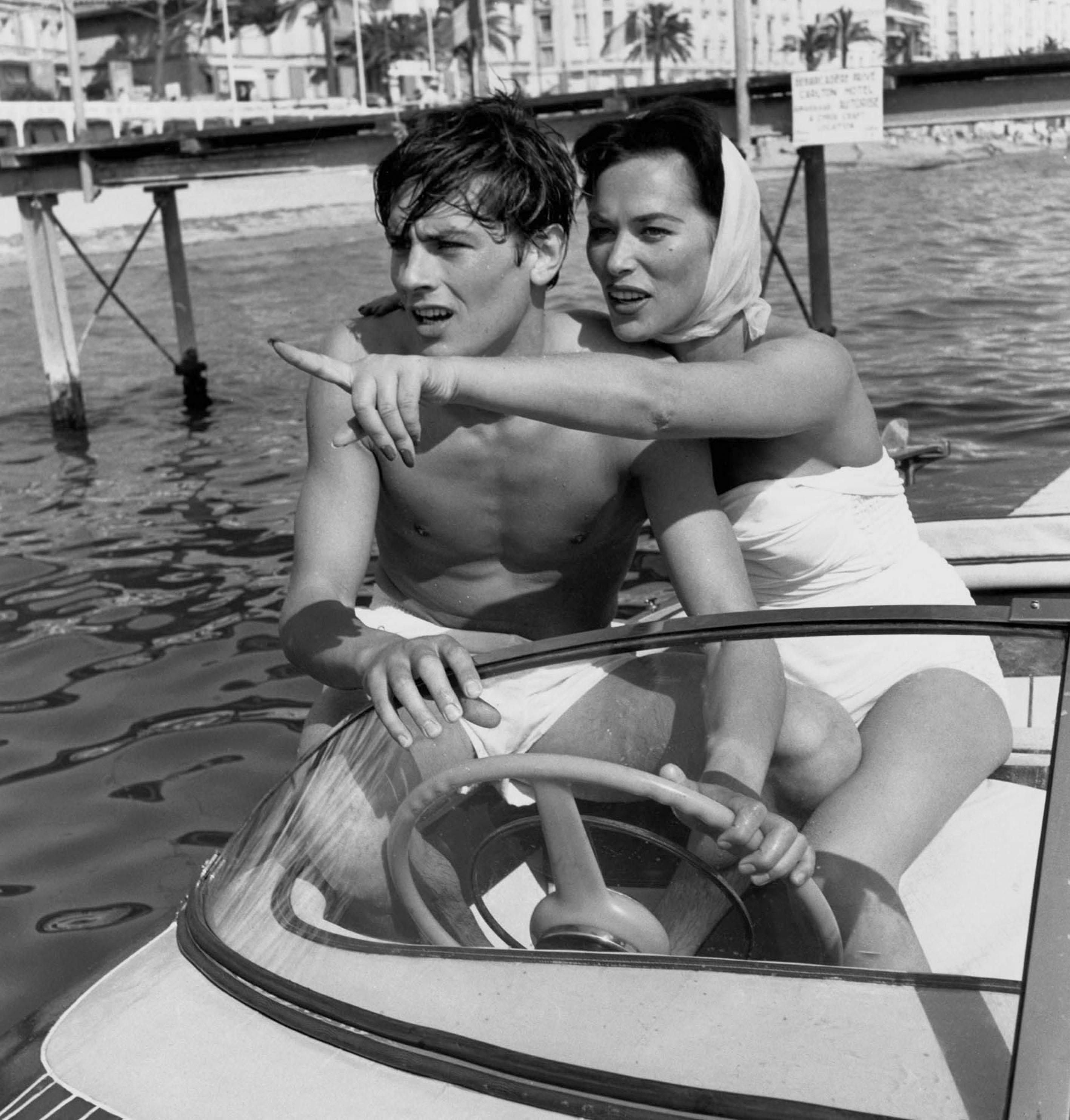 Cannes - 15 photos oubliées d'Alain Delon - Elle