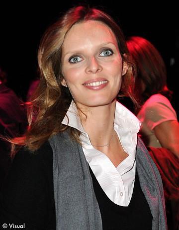 Sylvie-Tellier-C-est-Genevieve-qui-abime-l-image-des-Miss_visuel_article2