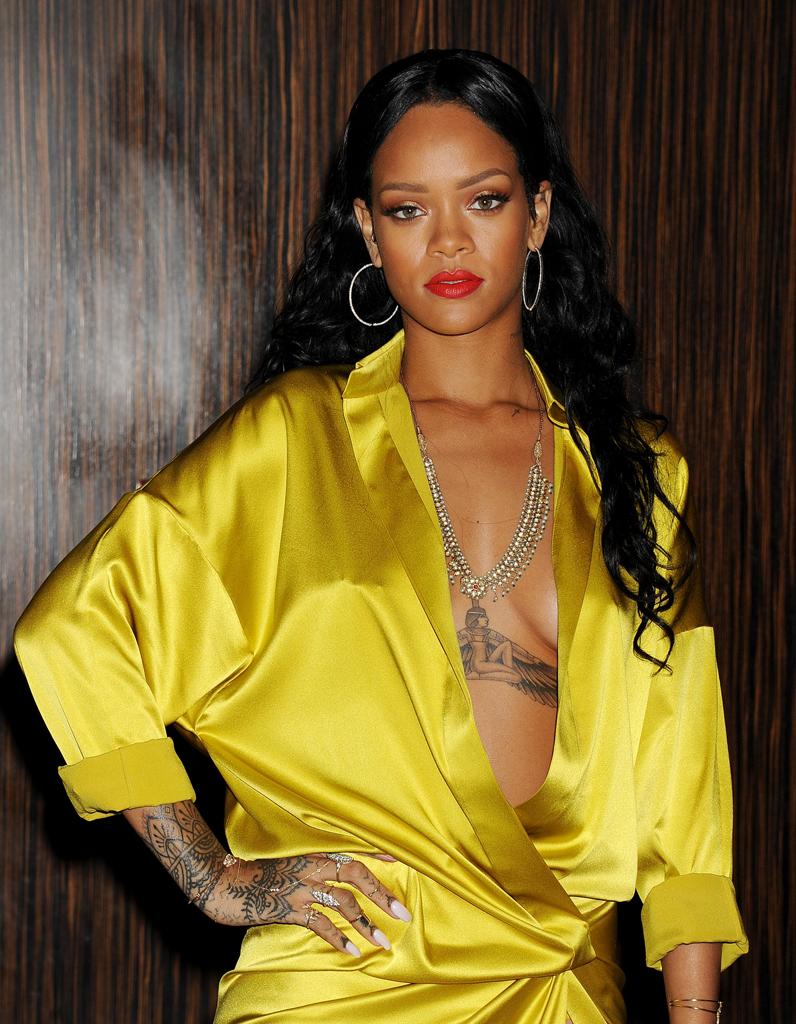 Les Tatouages De Rihanna Tattoo Inspirez Vous Des Stars Elle
