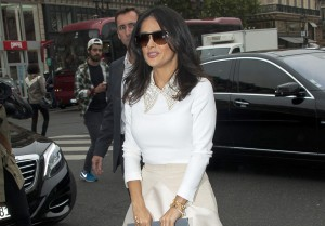 Le look du jour Salma Hayek au defile Stella McCartney