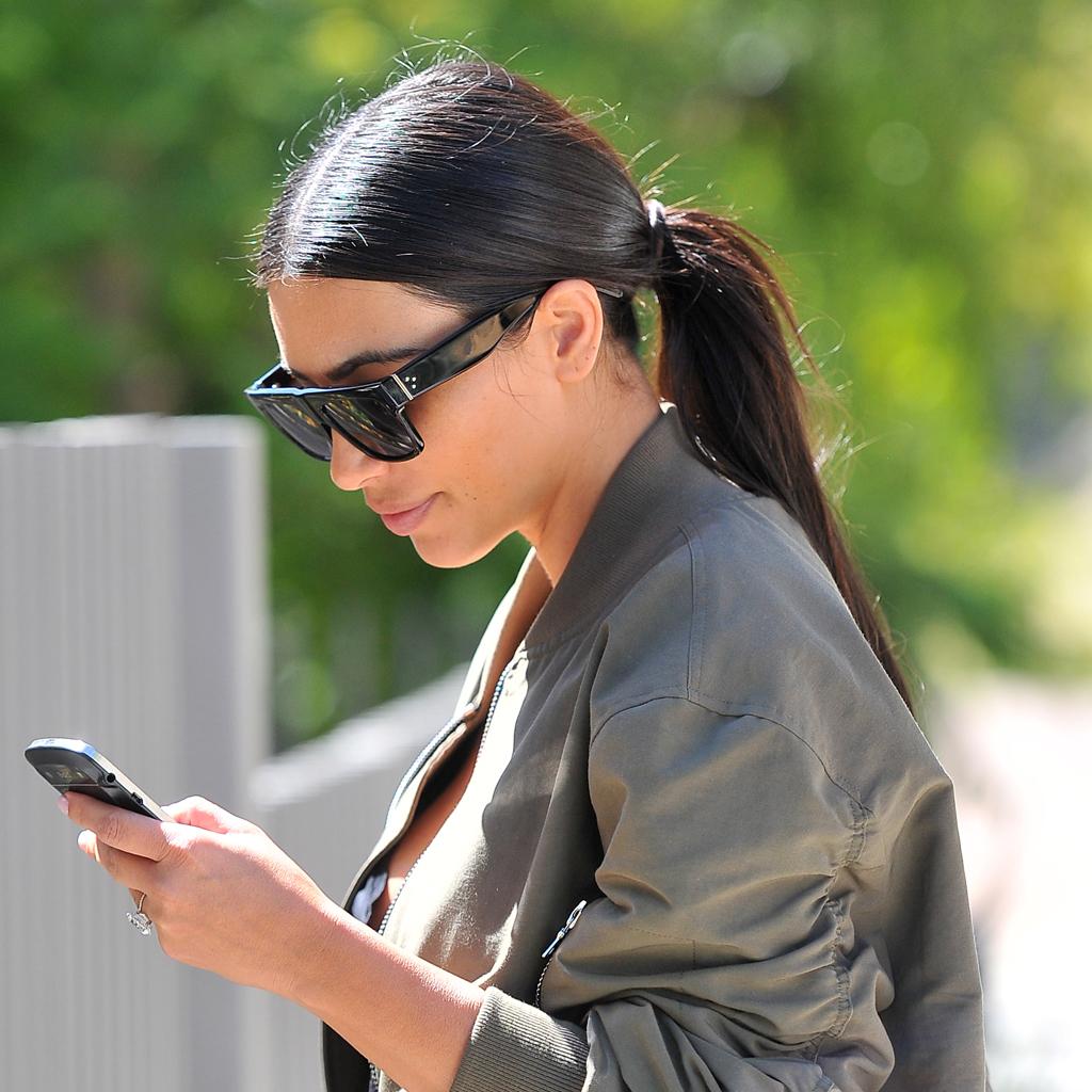 b2ad4344897689 Kim Kardashian - Les lunettes de soleil des stars - Elle