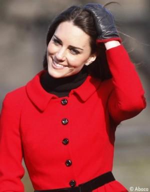 http://www.elle.fr/var/plain_site/storage/images/people/style/trajectoire-mode/kate-middleton-le-dressing-so-british-d-une-princesse/17177019-1-fre-FR/Kate-Middleton-le-dressing-so-British-d-une-princesse_a_la_une_mode_new.jpg