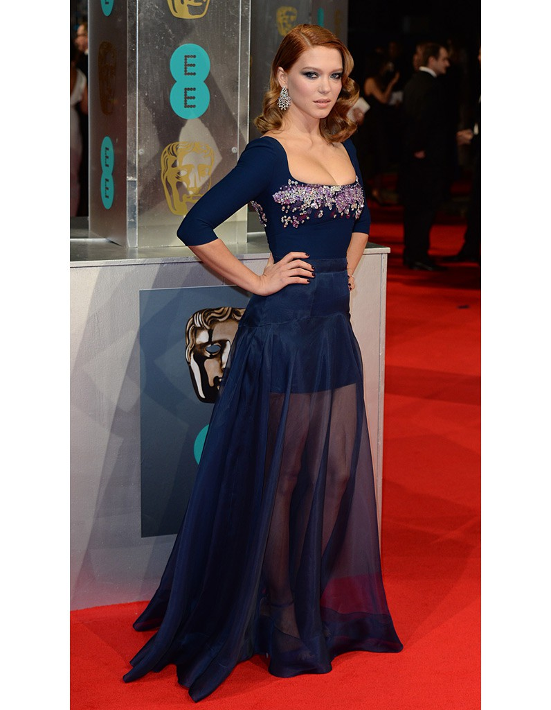 sa robe miu miu aux baftas l a seydoux son dressing de james bond girl elle. Black Bedroom Furniture Sets. Home Design Ideas