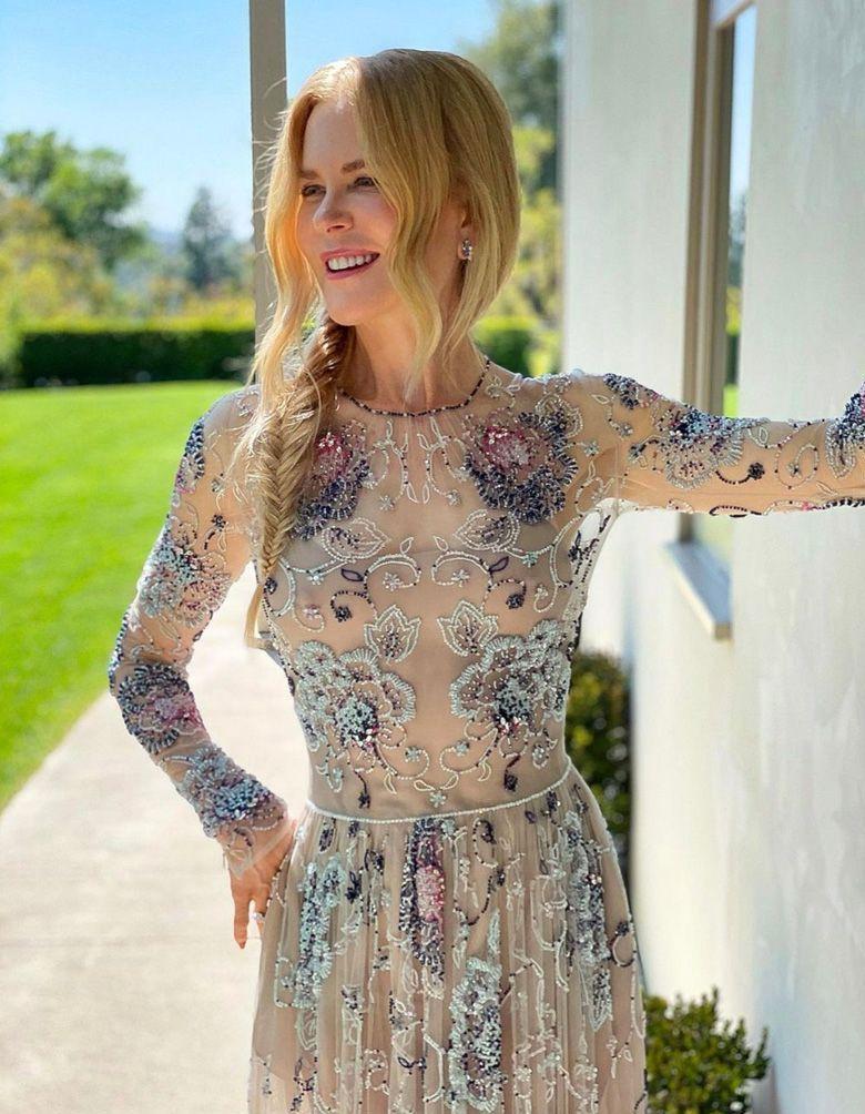 Nicole Kidman, Lily Collins, Emma Corrin : les plus beaux looks des SAG Awards 2021 - Elle