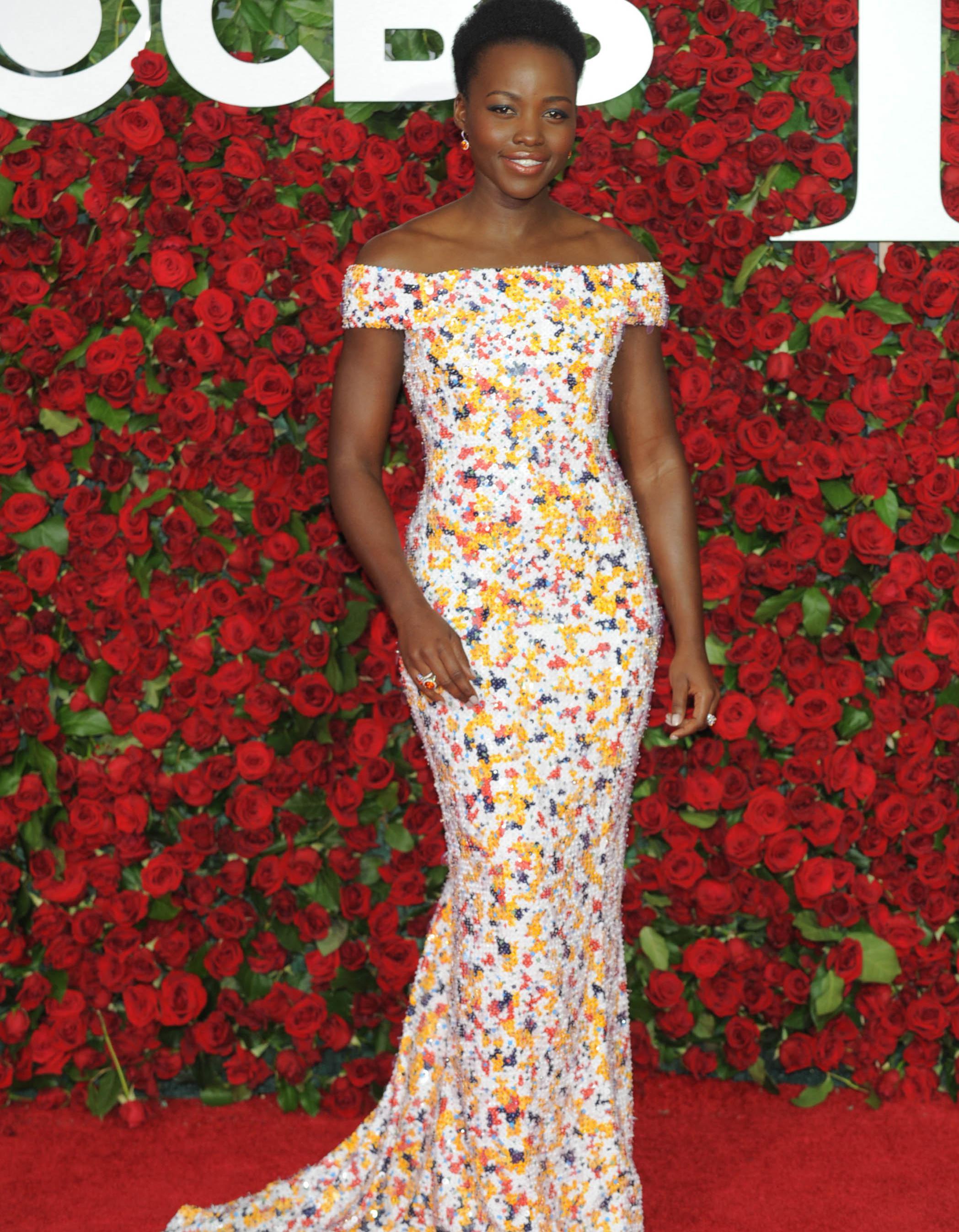 tony awards 2016 les plus belles robes sur tapis rouge elle. Black Bedroom Furniture Sets. Home Design Ideas