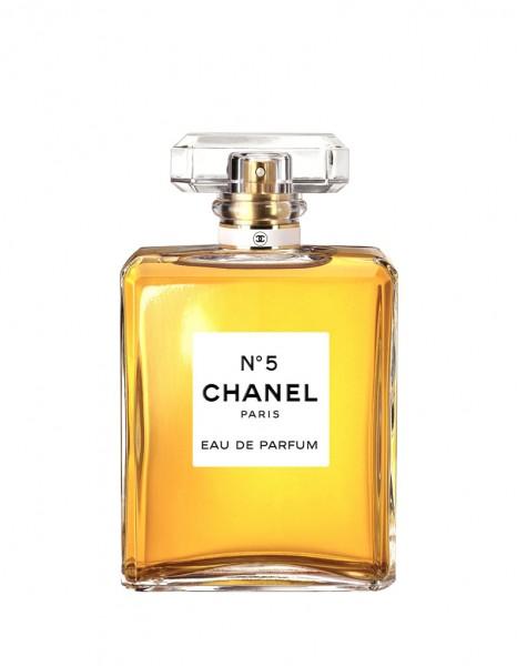 chanel n 5 chanel 15 parfums pour elle elle. Black Bedroom Furniture Sets. Home Design Ideas