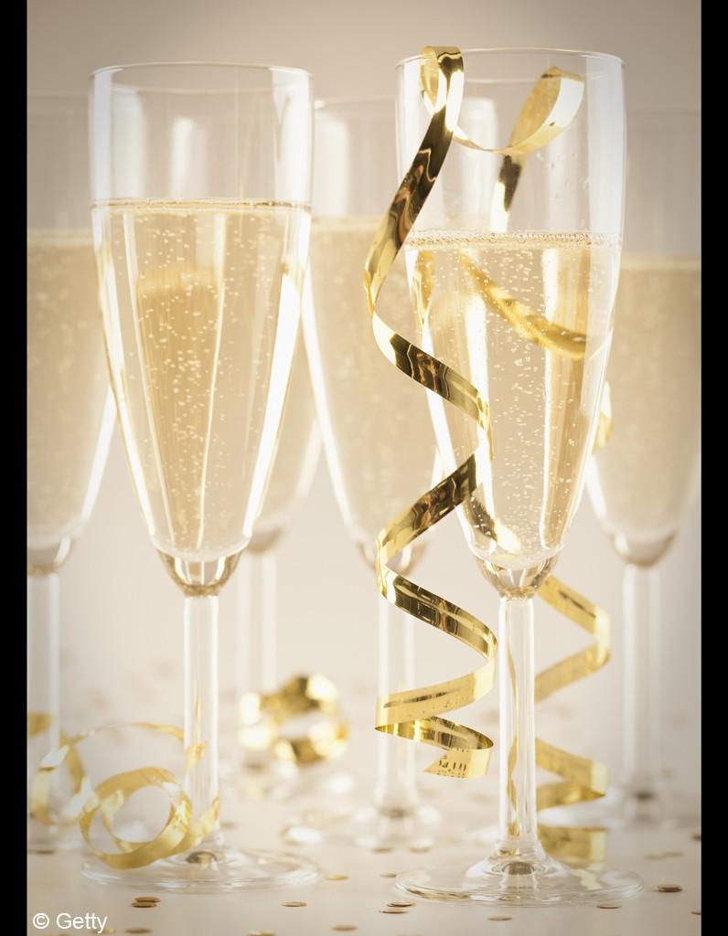 coupe ou fl te quel est le meilleur verre pour boire le champagne champagne 10 r gles d. Black Bedroom Furniture Sets. Home Design Ideas