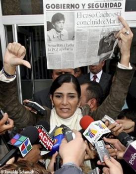 Légende : En décembre 2005, Lydia Cacho est poursuivie pour diffamation