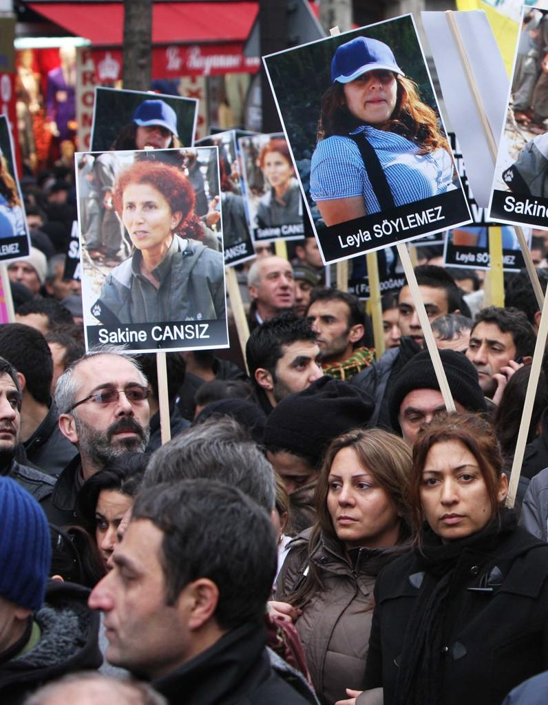 Dernier hommage pour Sakine Cansiz Fidan Dogan et Leyla Soylemez