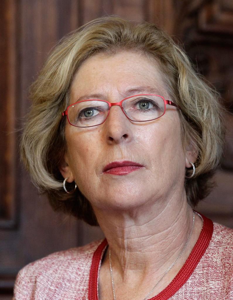 Genevieve Fioraso et son projet de loi pour reduire l echec a l universite