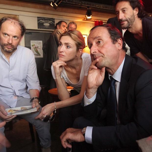 Avec-humour-Francois-Hollande-dement-les-rumeurs-de-mariage-avec-Julie-Gayet_visuel_article2