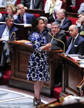 La-robe-de-Cecile-Duflot-provoque-des-reactions-machistes_mode_une