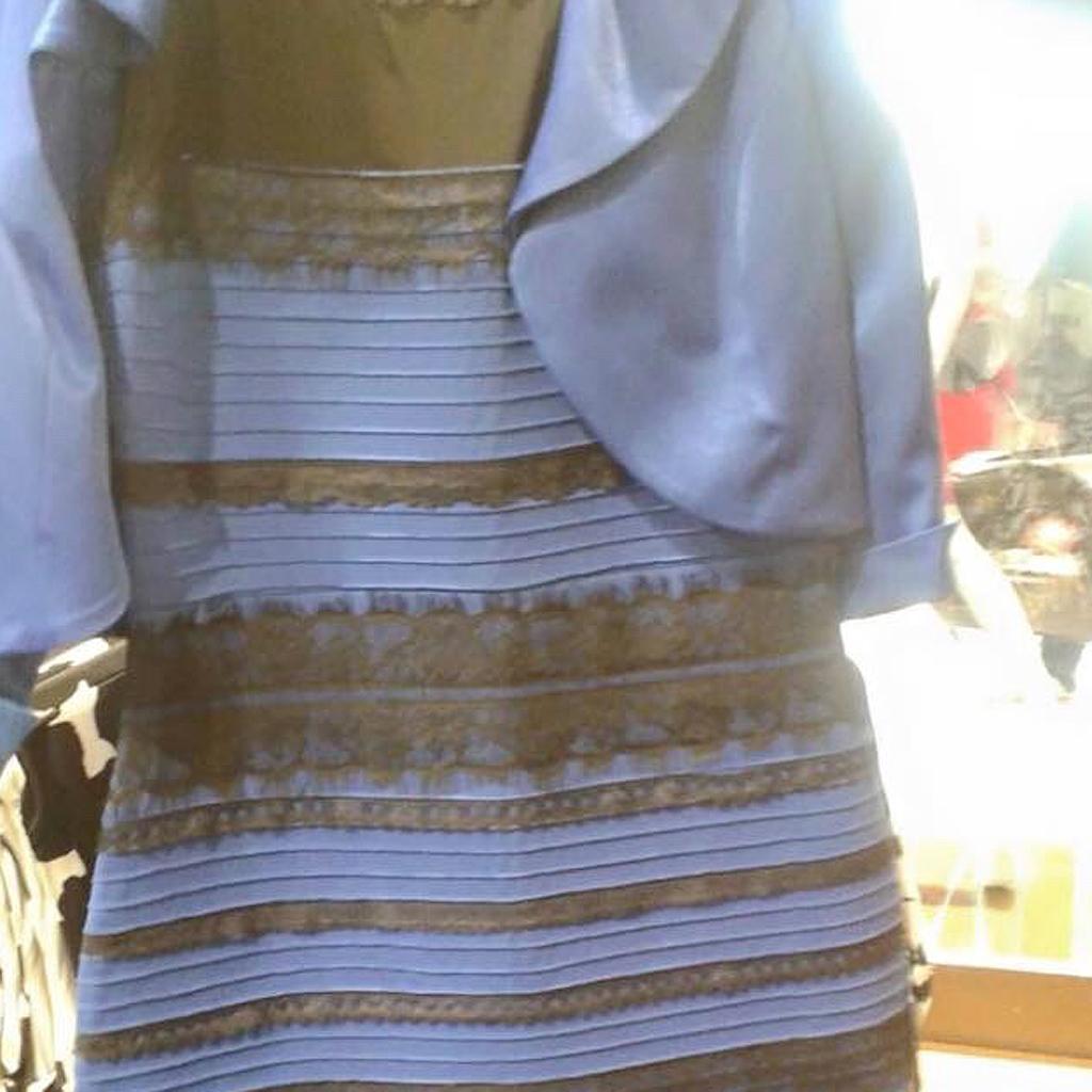 la robe qui fait d u00e9bat   et vous de quelle couleur la voyez-vous