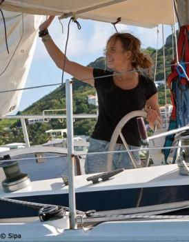 Laura Dekker 16 ans a fini son tour du monde a la voile