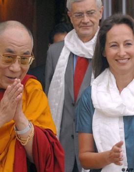 J'aime bien le Dalaï-Lama Le_femmes_club_du_dalai_lama_visuel_article2