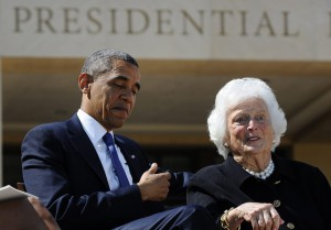 Obama souhaite un prompt retablissement a Barbara Bush