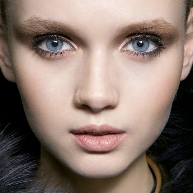 Tendance une technique pour avoir les yeux bleus elle - Brun au yeux bleu ...